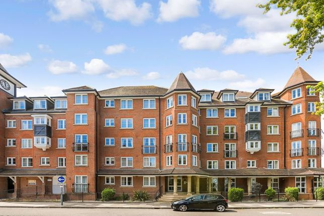 1 bed flat for sale in Castlemeads Court, Gloucester GL1