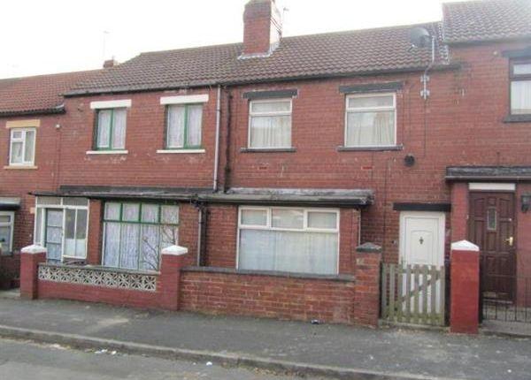 Thumbnail Semi-detached house to rent in Dodgson Avenue, Leeds