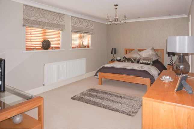 Master Bedroom of Llwynderw Drive, West Cross SA3
