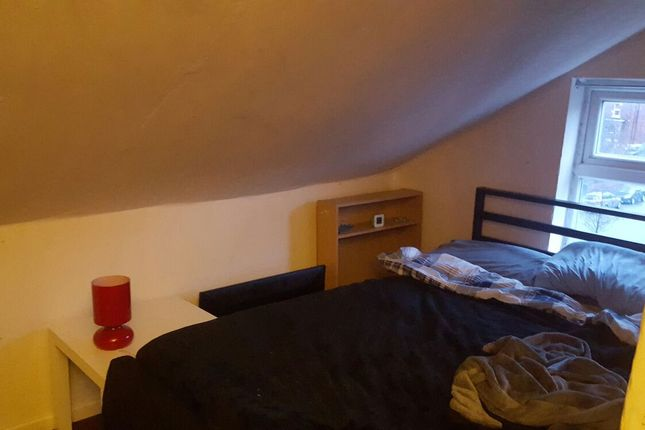 Thumbnail Shared accommodation to rent in Brook Road, Manchester
