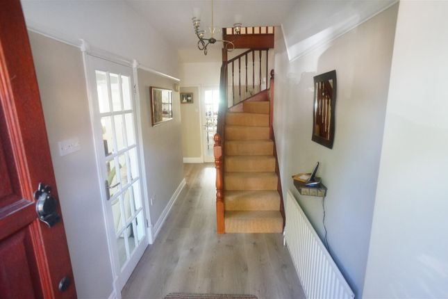 Thumbnail Semi-detached house for sale in Dale View Crescent, London