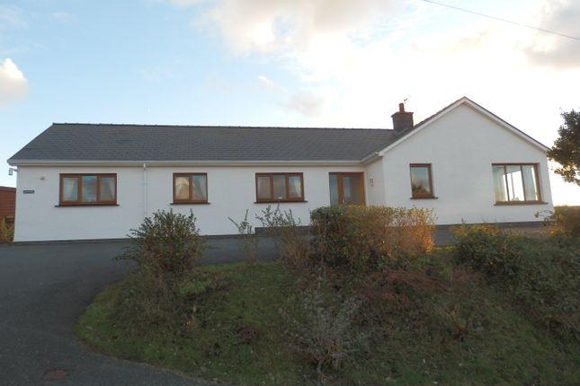 Thumbnail Detached bungalow for sale in Ffordd Y Goetre, Aberaeron