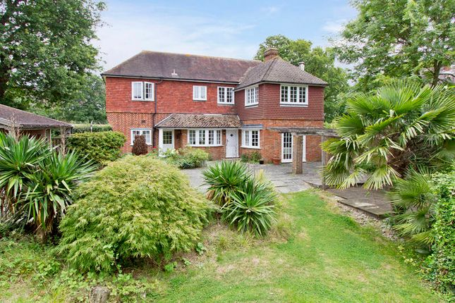 Thumbnail Detached house for sale in Hilders Lane, Edenbridge