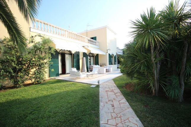 Thumbnail Farmhouse for sale in Ostuni, Ostuni, Brindisi, Puglia, Italy