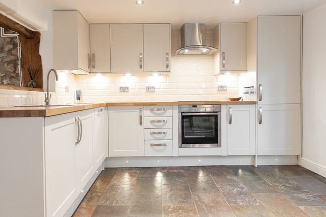Thumbnail Terraced house for sale in 149B High Street, Bristol