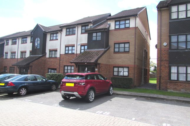 Thumbnail Flat for sale in Conifer Way, Wembley