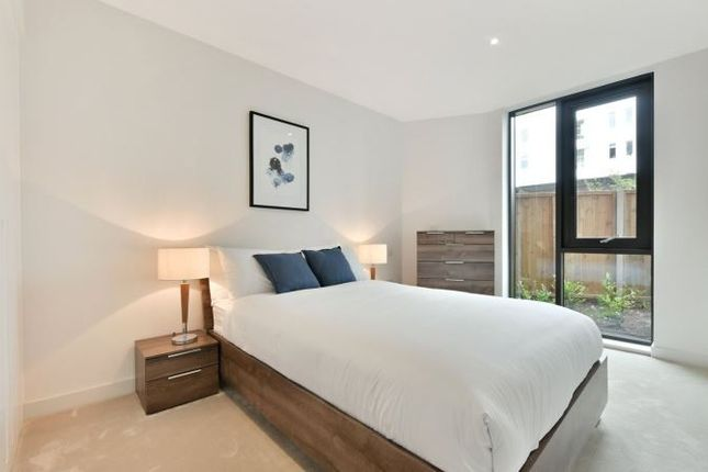 Thumbnail Flat to rent in Royal Crest Avenue, Royal Wharf, London