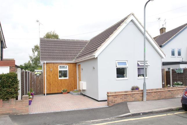 Thumbnail Bungalow for sale in Marylands Avenue, Hockley