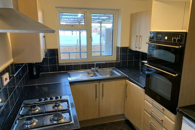 3 bed semi-detached house to rent in Brunswick Street, Leamington Spa CV31