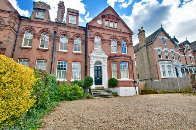 3 bed flat to rent in Shortlands Road, Shortlands, Bromley BR2