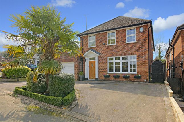 Thumbnail Detached house for sale in Hartfield Avenue, Elstree, Borehamwood