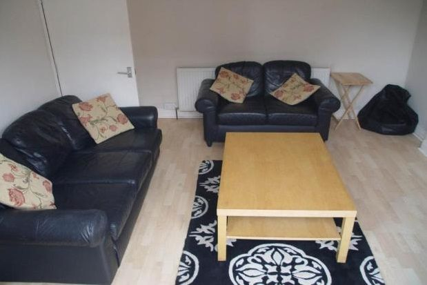 4 bed property to rent in Trinity Avenue, Nottingham