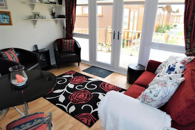 Living Room of Links Avenue, Mablethorpe, Lincolnshire LN12