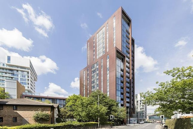 Flat to rent in Buckhold Road, Wandsworth