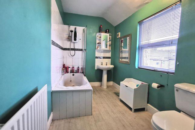 Bathroom of Trelawney Avenue, Plymouth PL5