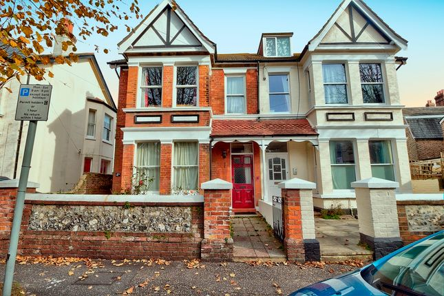 Thumbnail Flat for sale in Wyke Avenue, Worthing