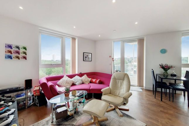 Thumbnail Flat to rent in Duncombe House, Woolwich, London