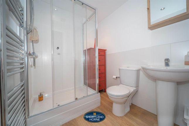 En-Suite of Shropshire Drive, Stoke Village, Coventry CV3