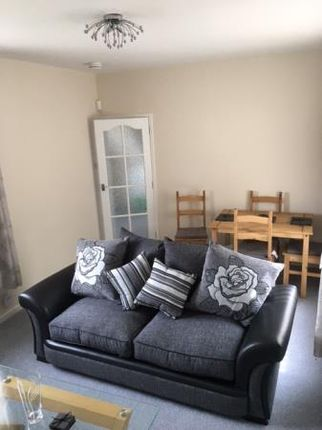 Thumbnail Terraced house to rent in Stuart Road, Glenrothes
