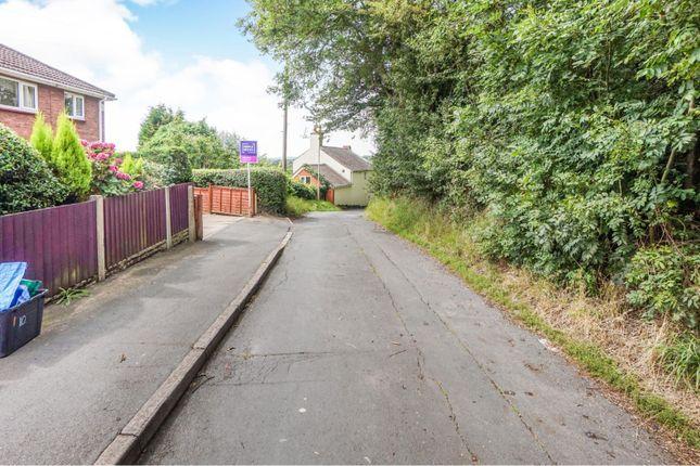 Approach of Musk Lane West, Dudley DY3