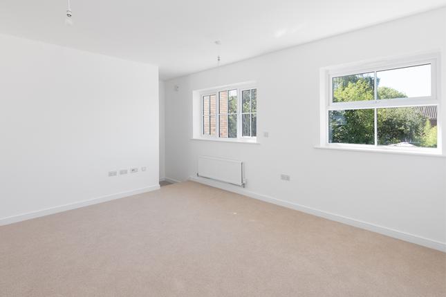 2 bedroom semi-detached house for sale in Shelley Arms, Broadbridge Heath, Horsham, West Sussex