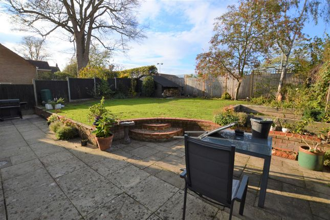 Thumbnail Detached house for sale in Friary Field, Dunstable