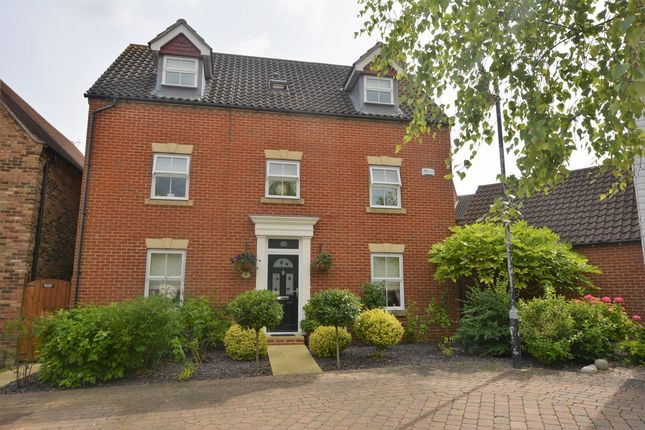 Thumbnail Town house for sale in Imperial Way, Singleton, Ashford