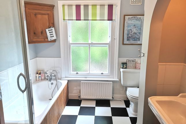 Large Bathroom of Queens Road, Gosport PO12