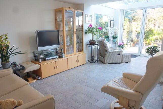 Living Room of Wellesford Close, Banstead SM7