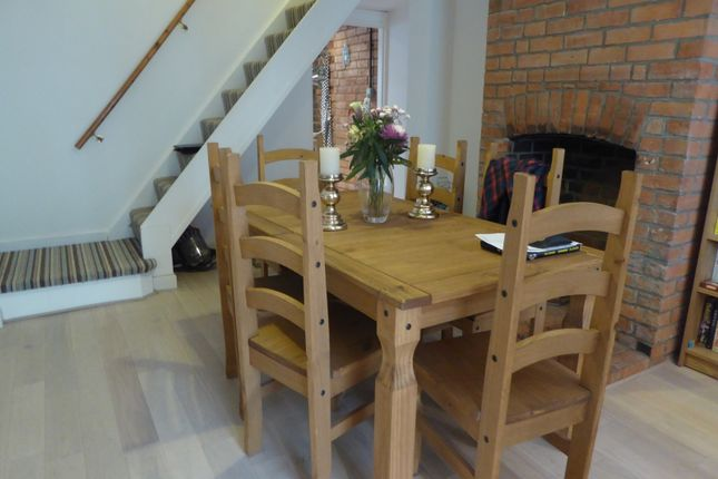 Dining Area of Queen's Cottages, Reading RG1