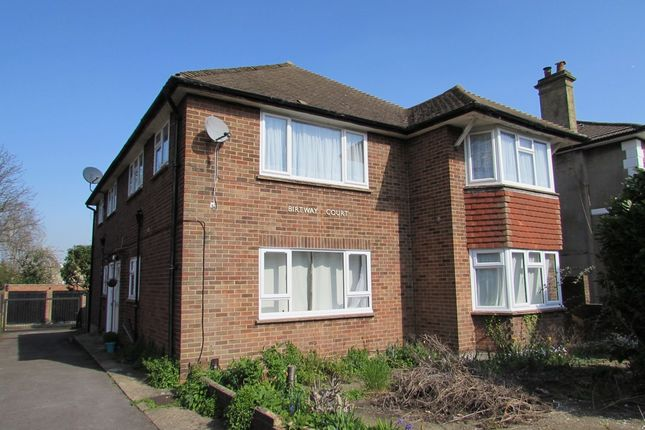 2 bed maisonette to rent in Springfield Road, Wallington