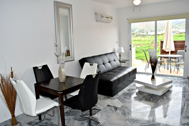1 bed apartment for sale in Polis, Stunning 1 Bedroom Apartment With 6 Person Heated Jacuzzi, Cyprus