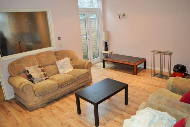 Thumbnail Maisonette to rent in Vallance Road, East London