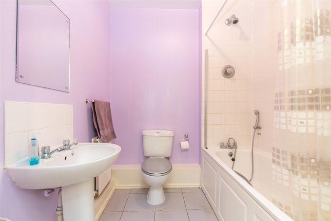 Bathroom of Penlon Place, Abingdon, Oxfordshire OX14