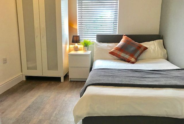 Thumbnail Room to rent in (Room 3) Gleaves Road, Manchester
