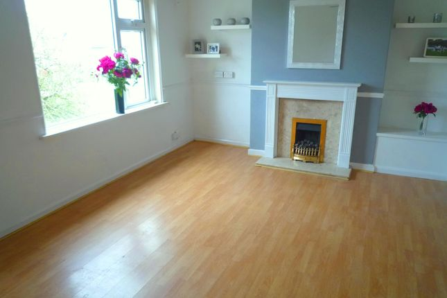 Thumbnail Maisonette to rent in Grand Avenue, Ely, Cardiff