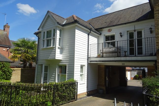 Thumbnail Semi-detached house to rent in Sawyers Grove, Brentwood