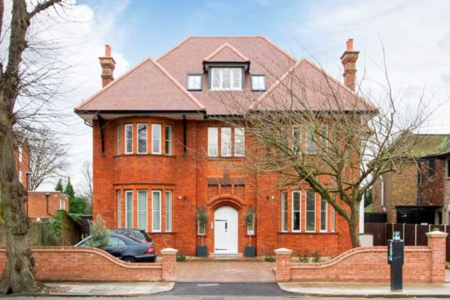 Thumbnail Flat to rent in Elm Avenue, London