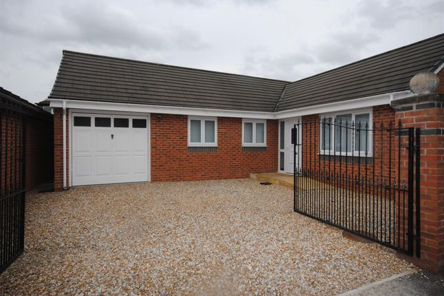 Thumbnail Bungalow to rent in Bryn Road South, Ashton-In-Makerfield, Wigan