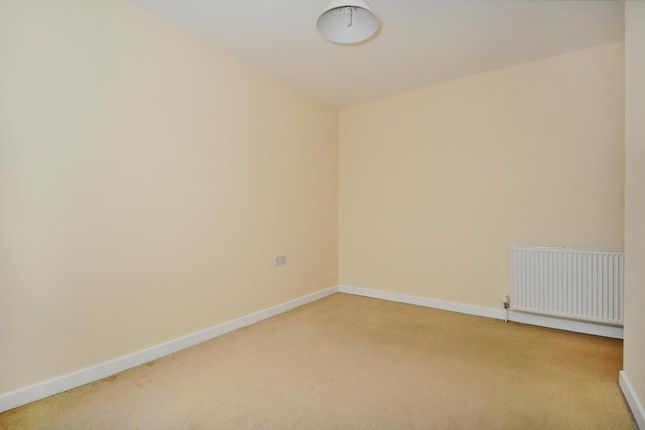 Main Bedroom of Thatcham, Berkshire RG18