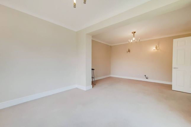 Thumbnail Detached house to rent in Gladeside, Shirley, Croydon