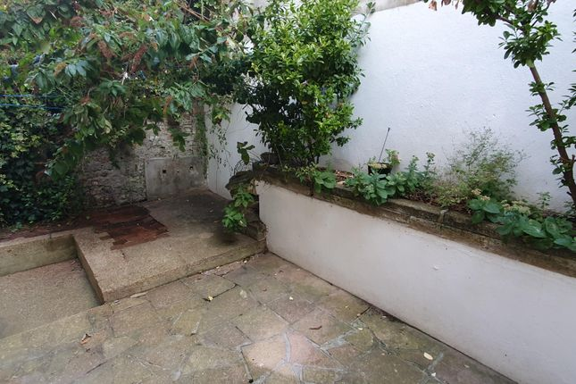 Thumbnail Flat to rent in Waterloo Street, Hove
