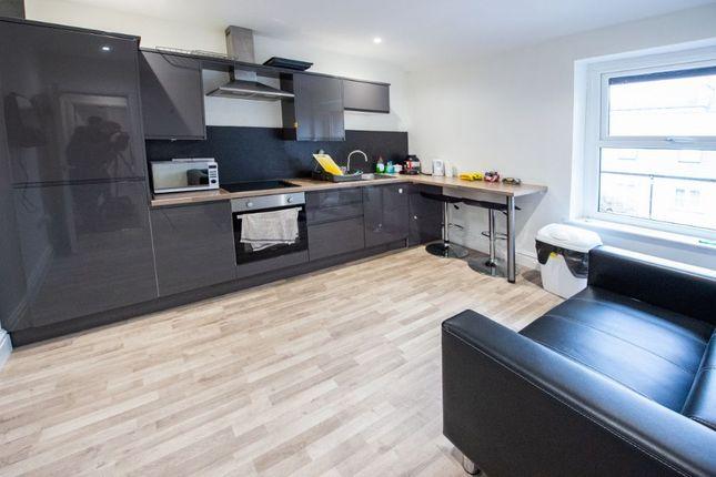 1 bed flat to rent in 15 Queen Street, Lancaster, – Ensuite X2 LA1
