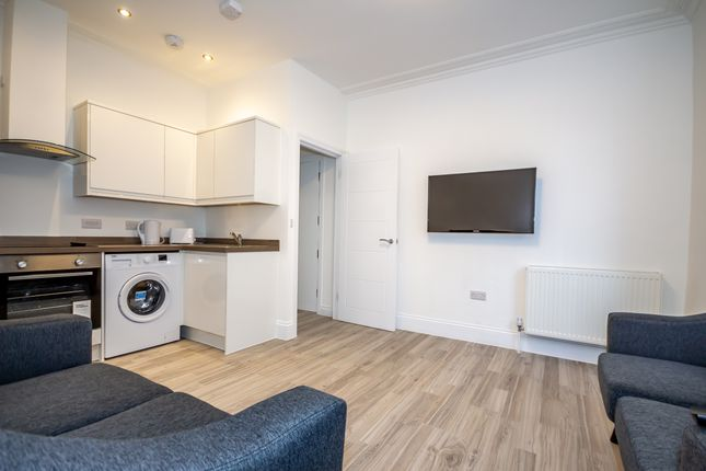 Flat to rent in North Road East, Plymouth