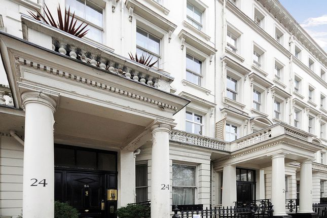 2 bed flat to rent in Courtfield Gardens, South Kensington, London