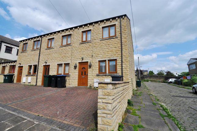 Thumbnail Town house to rent in Garden Street, Bradford