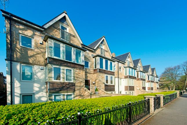Thumbnail Flat to rent in Queen Parade, Harrogate