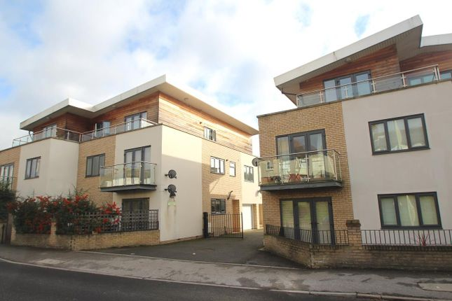 Thumbnail Flat to rent in St. Albans Hill, Hemel Hempstead