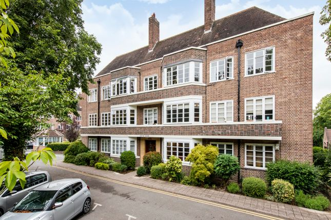 Thumbnail Flat for sale in Putney Heath, Putney