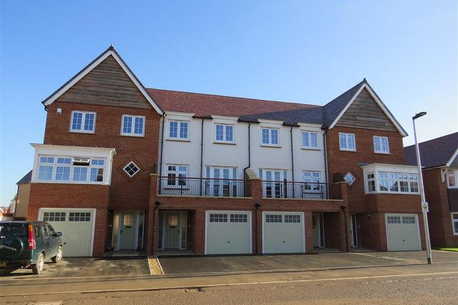 Thumbnail Town house to rent in Great Clover Leaze, Cheswick, Bristol